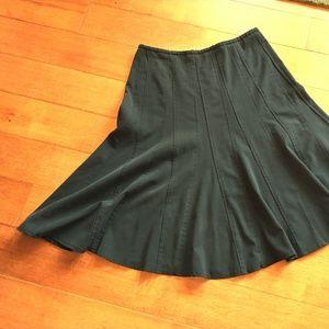 Midlength black skirt